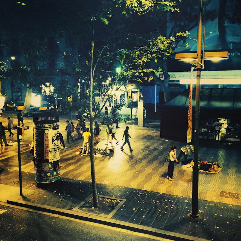 La Rambla žije aj v noci