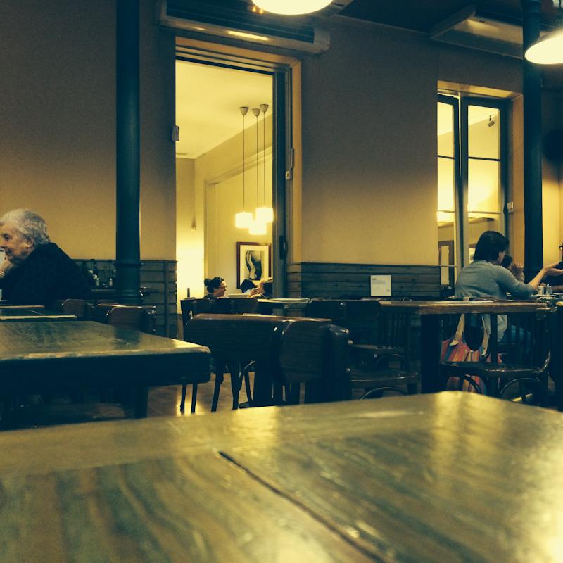 Veľmi príjemná kaviareň na prečkanie búrky