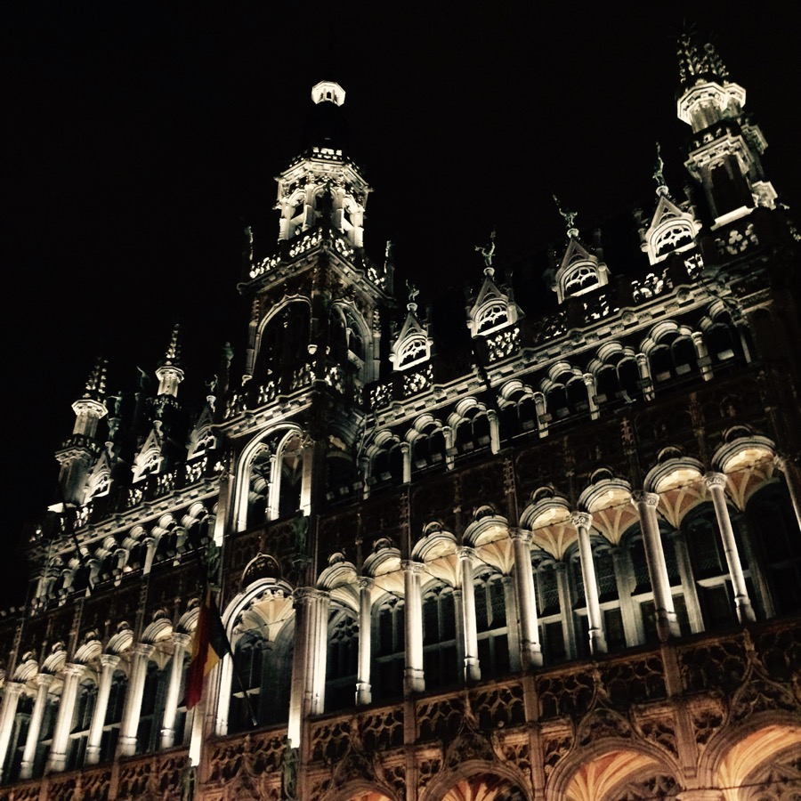 Historické centrum je pekné aj v noci.